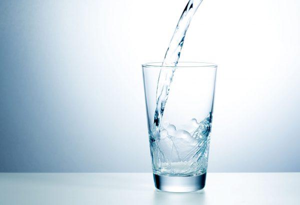 Rent dricksvatten med hjälp av vattenfilter
